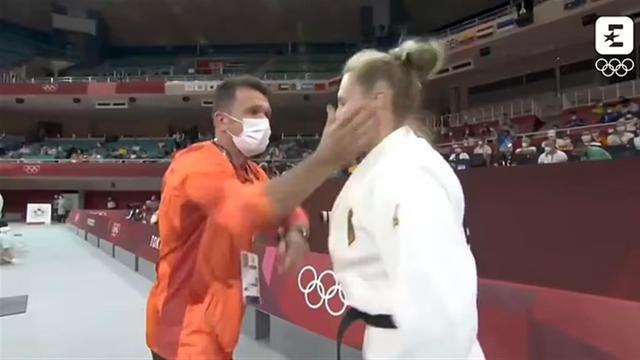 """""""清醒点!""""德国柔道教练这样给女选手提神,上场前扇两耳光"""