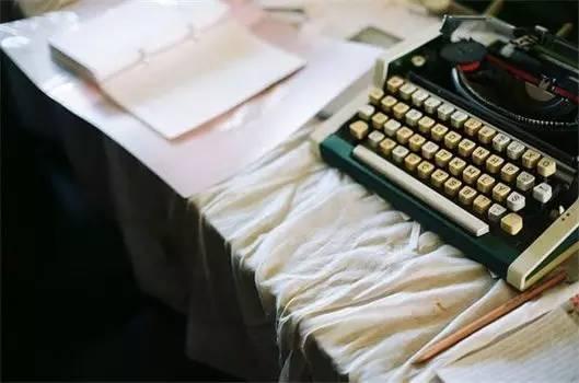 过去式的句子,过去的终究都是过去式,现在和未来才是最重要的决定