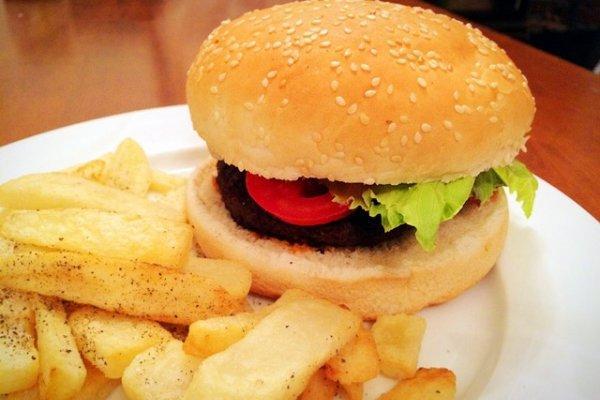 牛肉汉堡的做法,牛肉大汉堡的做法步骤