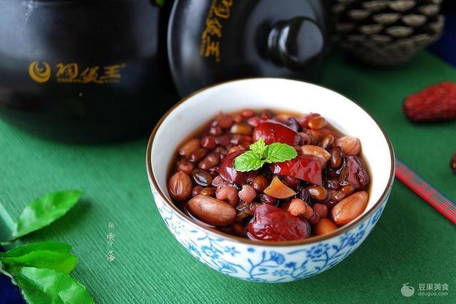 黑米粥的吃法,黑米养生粥的做法