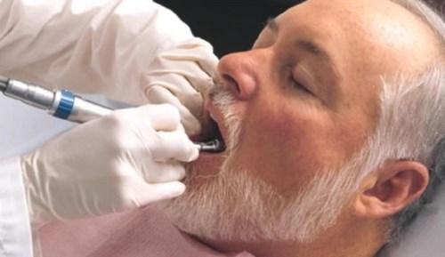 有哪些牙,平均每个老人失牙约10颗!看了这,您就会知道该怎么选假牙!