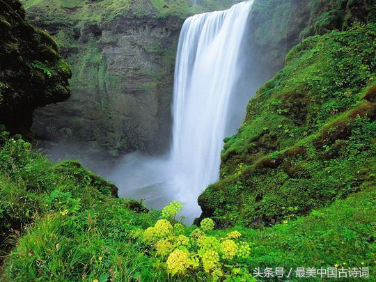 瀑布的诗,唐诗里描写庐山瀑布的三首佳作,哪一首是你的最爱?