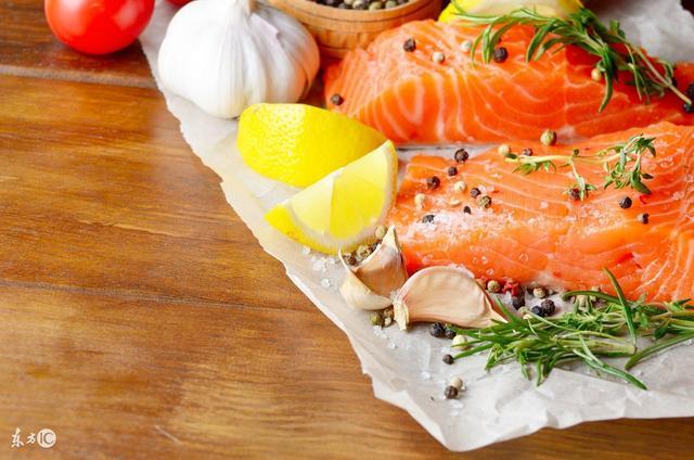 形容美食诱人的句子,时间无法留住的,味道却能留住:精选关于美食的美句!