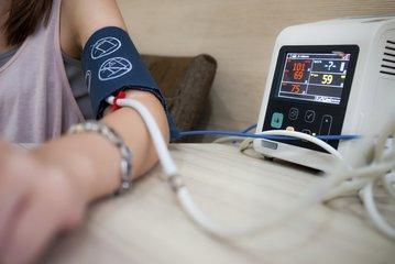 高血压是怎么引起的,为什么我会得高血压