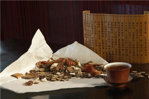 石斛的吃法,仙草之首,养阴之冠,两款石斛药膳美食推荐