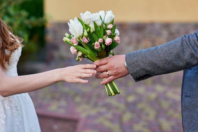婚姻技巧,完美婚姻是两人共同经营而来,七个小技巧让你的婚姻保鲜