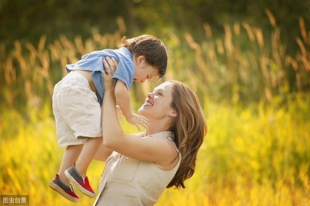 描写母爱的句子,母爱的名人名言