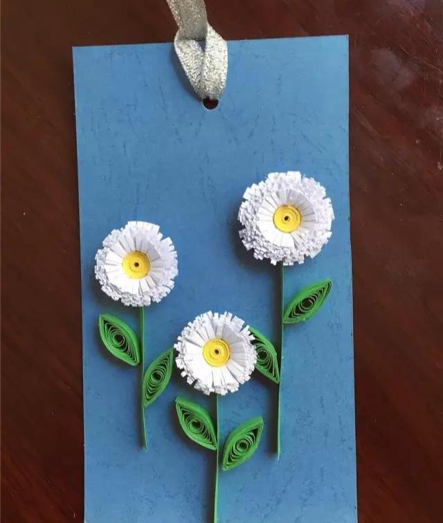 书签怎么做漂亮又简单,衍纸小雏菊书签,小清新的感觉适合做书签、贺卡,纸艺手工附教程
