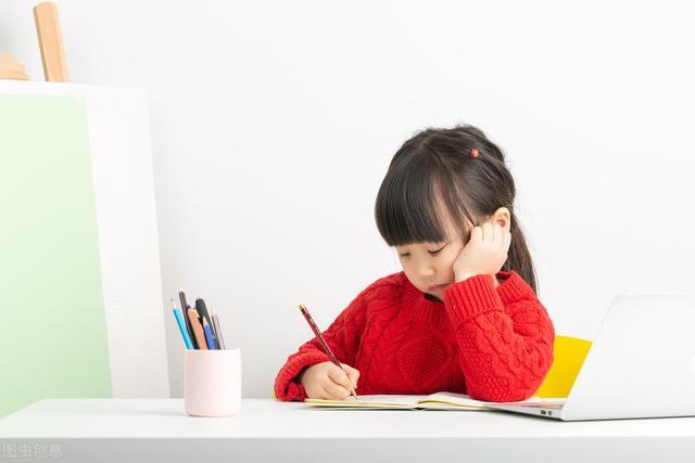 """陪伴孩子成长温暖句子,怎样陪伴孩子,与孩子一起""""做作业"""",共成长?"""