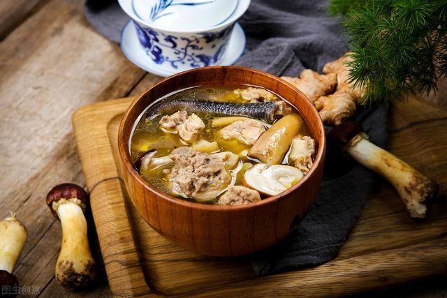 做鸡汤怎么做,鸡汤的正确熬法,教你简单3招,汤汁鲜美好吃,鸡肉还不柴