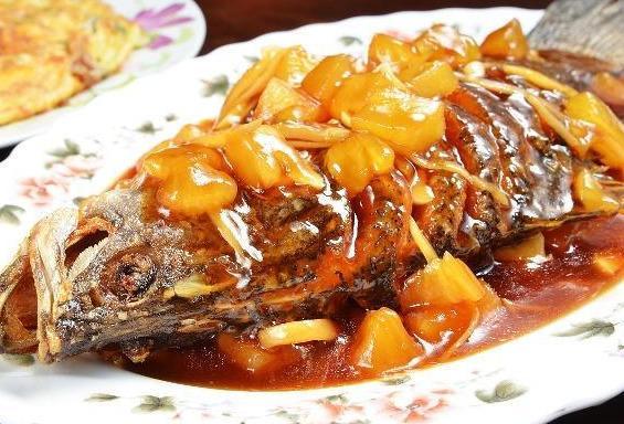 糖醋鱼的做法视频,逢年过节要有鱼,糖醋鲤鱼,掌握这个小诀窍,饭店大厨都点赞