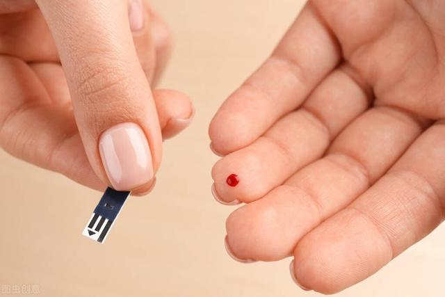糖尿病的并发症有哪些,糖尿病控制不好很危险,出现这6大表现,证明糖尿病并发症出现了