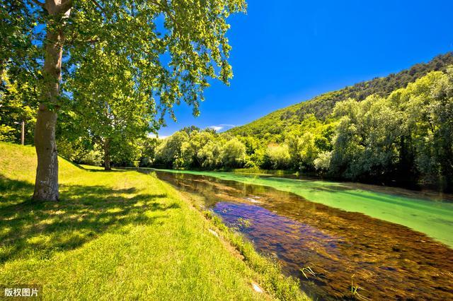描写山河的诗,20首五言绝句山水诗    时时闻鸟语,处处是泉声
