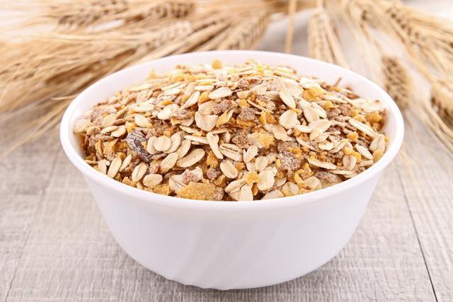 生麦片的吃法,营养餐~如何让燕麦更美味可口