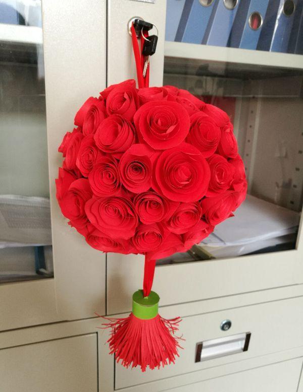 球怎么做,手工红色纸制花球,挂在家里面,用来当装扮,非常好看!附教程