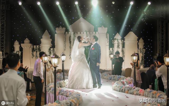 对新婚的祝福语,结婚祝福语送给新婚夫妇表达祝福