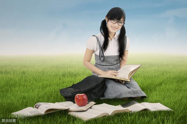 高中英语完形填空8套专项训练题,假期刷一刷很有用,建议收藏