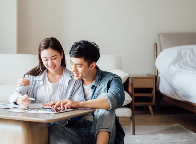 投资计划,新婚族的理财目标应关注四个方面,简例说明一户新婚族的投资计划