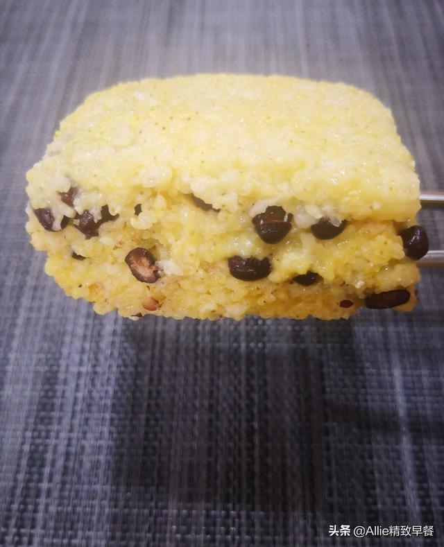 黄米的吃法,营养早餐第229期,大黄米的不同吃法,做饭糕、做糍粑,都好吃