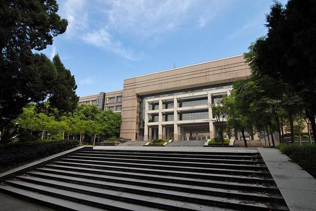 武汉的大学有哪些,湖北省大学排名出炉,华农位列前三甲,武汉大学屈居第二