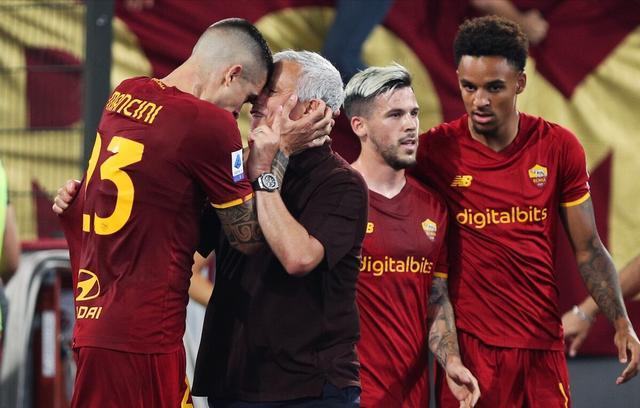 穆里尼奥千场之战!沙拉维绝杀 罗马2-1萨索洛3连胜登顶 全球新闻风头榜 第1张