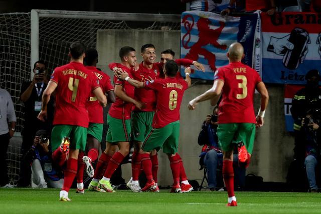 5-0!C罗又刷爆历史级神迹,直接送鱼腩出局,葡萄牙只剩1个对手 全球新闻风头榜 第1张