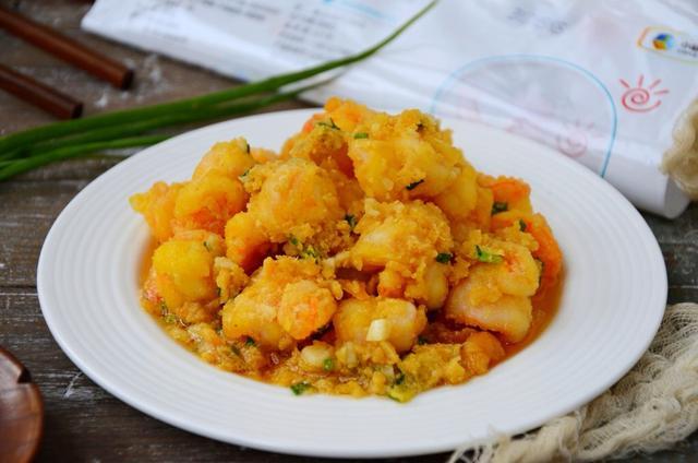 熟咸鸭蛋的常见吃法,吃了几十年的咸鸭蛋,这才知道它有这么多吃法,收藏了慢慢做