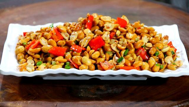 油炸花生米的做法,原来炸花生米也有窍门,学会这个新做法的诀窍,又脆又香不烧焦