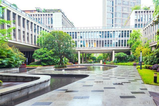 好的专科学校排名,广东排名前四的4所专科大学,排名第一的深职业,就业不输211