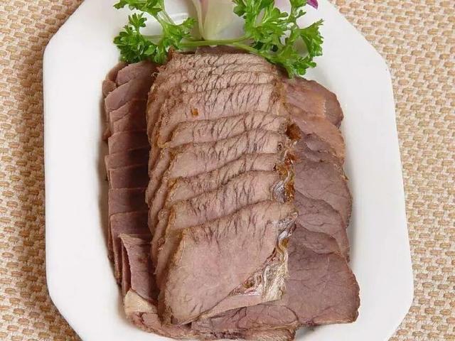 驴肉怎么做好吃,老师傅教你做酱驴肉,香料配方精确到克,成品色香味美回味无穷