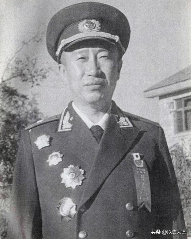 姓方的名人,志愿军智将解方:毛主席亲自改名,彭德怀称赞他是我军诸葛亮