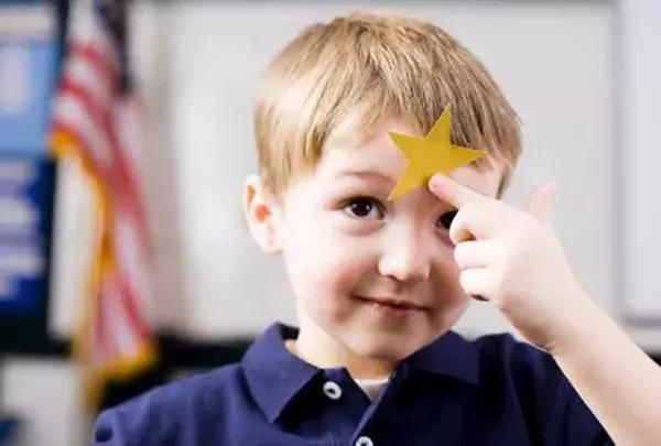 """表扬的句子,16句正确表扬孩子的话,每一句都比""""你真棒""""给力!"""