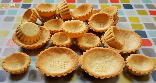 蛋挞皮的做法简单做法,「烘焙教程」简单学会蛋挞皮做法,随心所欲做各式蛋挞!