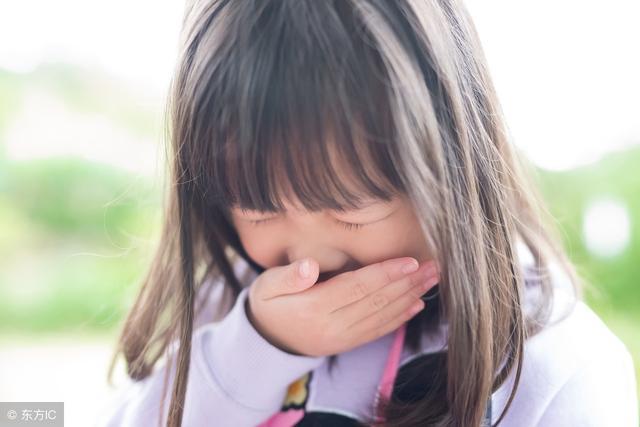 婴儿吐,小儿出现呕吐不用怕,对症治疗即可,切不可不理不睬