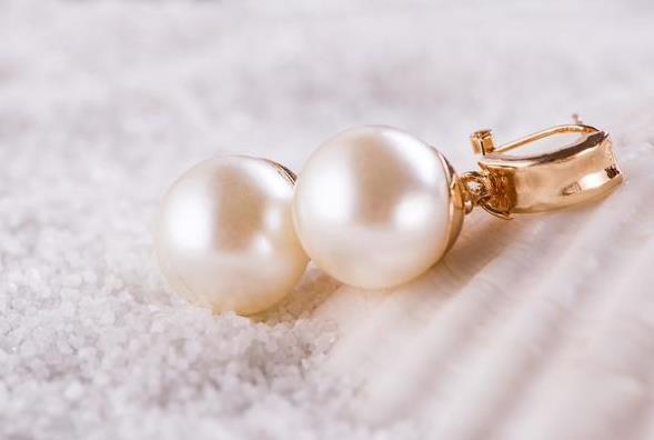 """珍珠寓意,珍珠是沙子的爱情,寓意""""珍爱"""""""