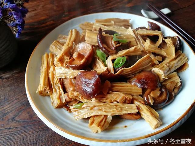 炒香菇的家常做法,香菇的10种家常做法,道道都是美味,好媳妇收藏好,做给家人吃