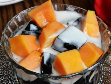 龟苓膏的吃法,木瓜酸奶龟苓膏,清热又降火,夏季消暑必备,大人小孩都喜欢