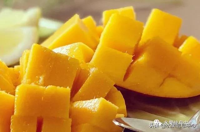 关于水果的短句,除了皮薄肉厚、甜蜜多汁、香甜可口等,芒果文案还能怎么写?