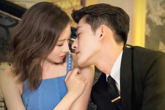 舌吻技巧,接吻时男人学会这三个小心机,保证事半功倍,让女人爱你更深