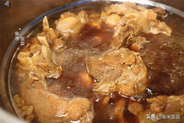 大 的吃法,新鲜大棒骨,这个做法最好吃,小火慢炖,大口吃肉太香了