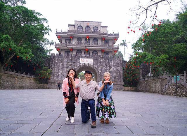 景区简介,广西有个好玩的景区,已有2000年历史了,这里分分钟可以出国