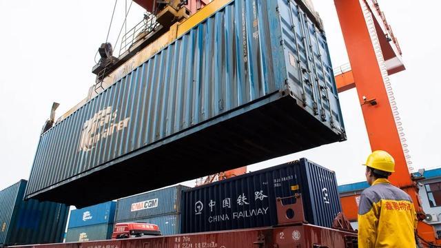 德国媒体关注中国外贸数据:中国强劲复苏使其受益匪浅