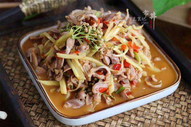 鸡内金的吃法,秋天,鸡胗和生姜真是绝配,馋了炒一盘,嘎嘣脆,下酒下饭真不错