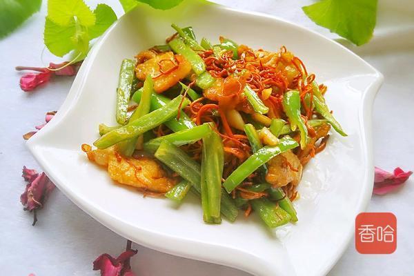 """虫草花的吃法,这种""""花""""很神奇,一般用来炖汤,没想到炒一炒,脆嫩好吃更营养"""