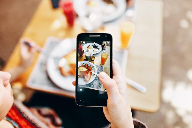 视频的做法,原来用手机就能把照片做成视频,方法还这么简单,涨知识了