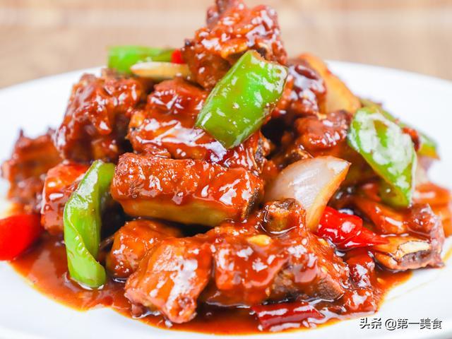 红烧排骨的家常做法,厨师长教你红烧排骨最好吃的做法,教程讲解详细,家常必备菜谱