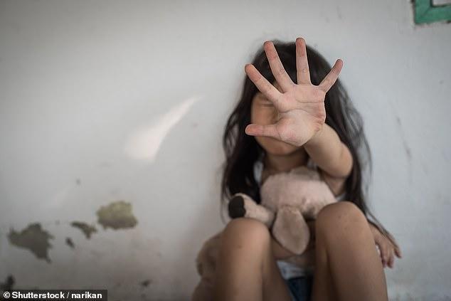 操逼图片,美19岁女孩性侵两个男孩,年龄小的才5岁,网友:这到底是怎么了