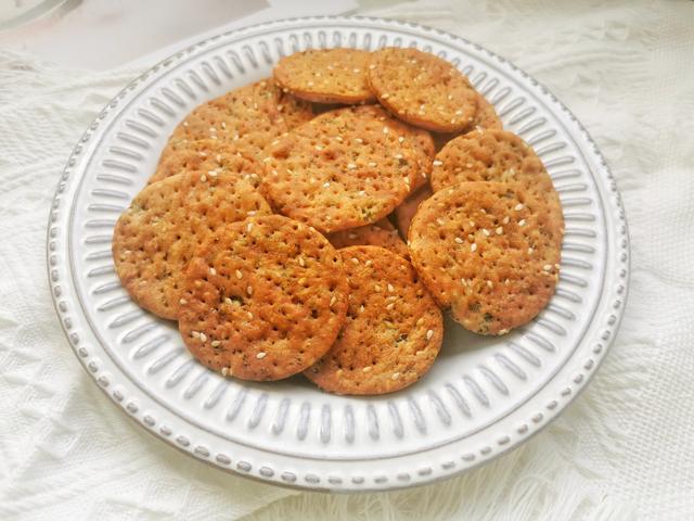 苏打饼干的做法,免打发!无糖蔬菜苏打饼干,低脂低热量,配方详细步骤简单