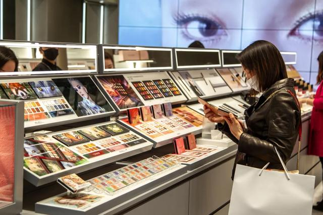 厚朴投资,完美日记巨亏26亿!新国货美妆第一股怎么了?