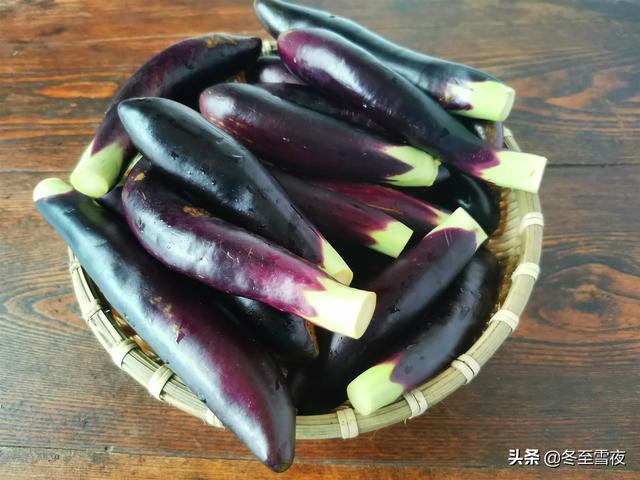 茄子的做法,茄子是家庭餐桌的常客,分享14道做法,凉热荤素都有,好吃下饭